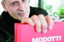 """Angel de la Calle: """"Mi libro sobre Tina Modotti es también una reflexión sobre la historia, aún viva"""""""